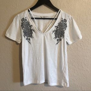 Lucky brand floral embroidered t shirt